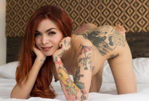 шлюха в татуировках